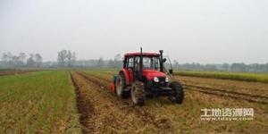 村里耕作实现了机械化